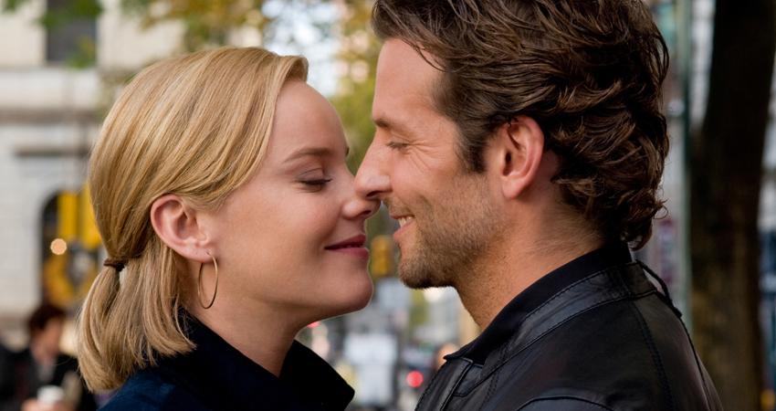 #KissDay : 5 तरह की किस बनाती है रिश्ते को खास, ये रहे इनके मतलब