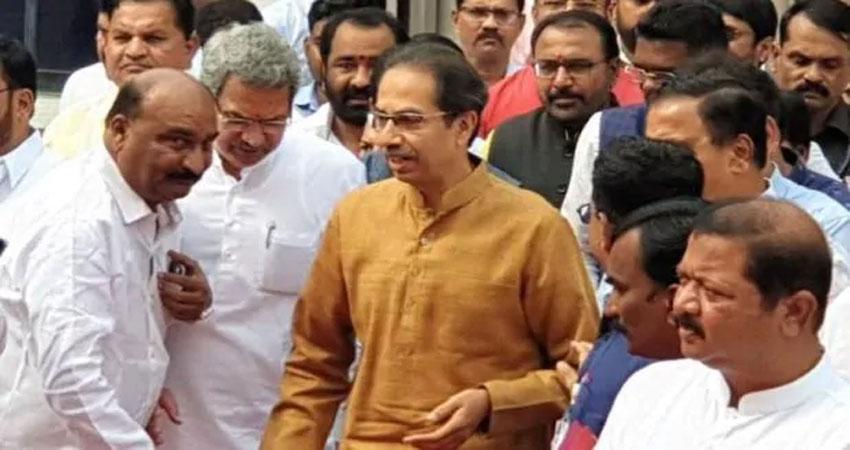 Maharashtra: शक्ति परीक्षण में पास हुए उद्धव ठाकरे, 169 विधायकों का मिला समर्थन