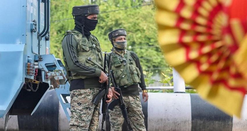 जम्मू-कश्मीर के अनंतनाग में संदिग्ध कार बरामद, 3 बीजेपी नेताओं पर हमले में इस्तेमाल का शक
