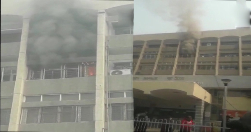 दिल्ली: सफदरजंग अस्पताल के नर्सिंग रूम में लगी आग, चारों ओर मची अफरा-तफरी