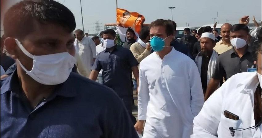 गेस्ट हाउस F-1 से निकले राहुल और प्रियंका गांधी, दिल्ली के लिए हुए रवाना....
