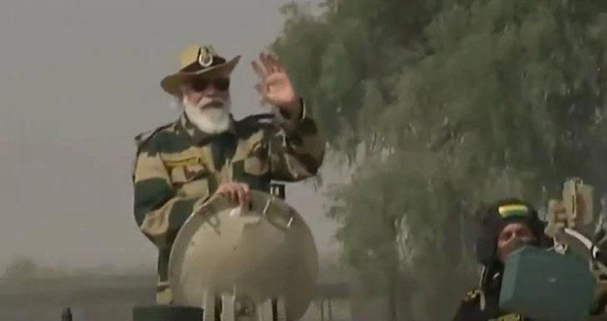 PM मोदी ने चीन की विस्तारवादी सोच पर किया कड़ा प्रहार, जैसलमेर में टैंक पर हुए सवार