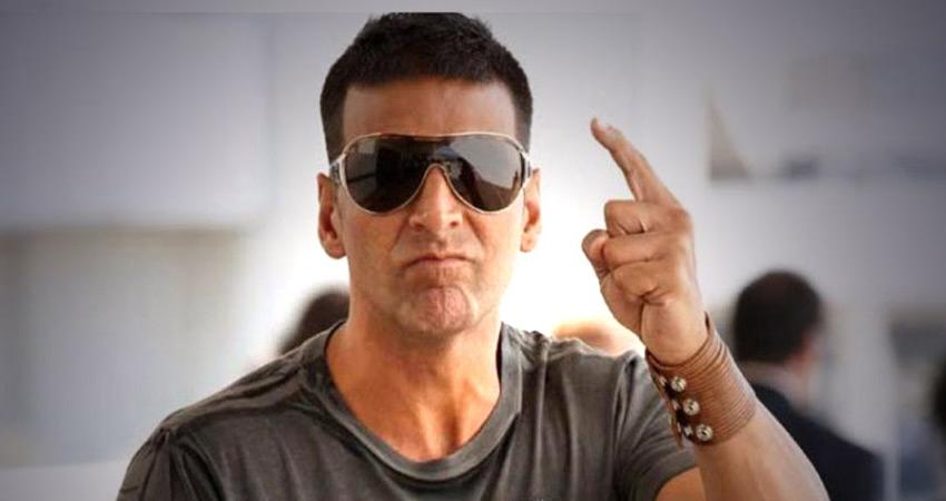 अक्षय कुमार ने टी-सीरीज को दिया झटका, फिल्म ''मुगल'' से हुए बाहर