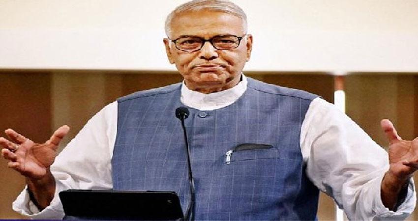 शपथग्रहण से पहले बोले यशवंत सिन्हा- नीतीश कुमार केवल नाम के होंगे CM