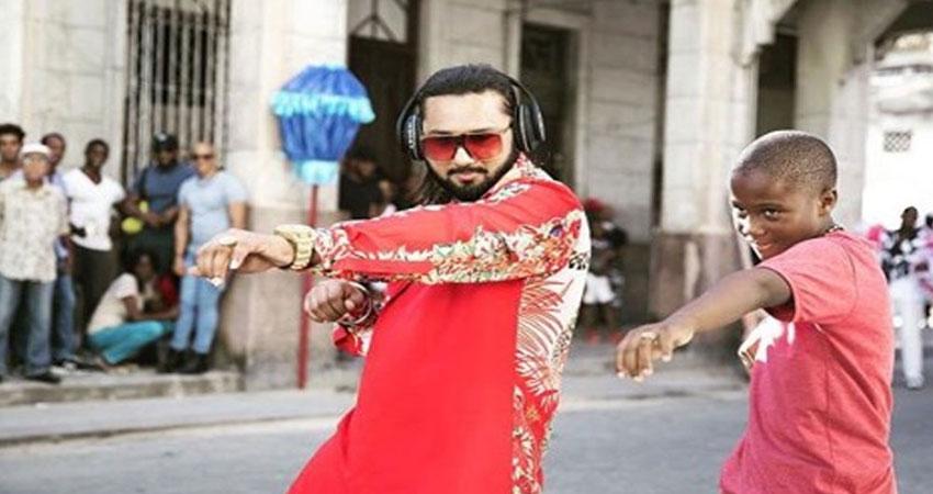 हनी सिंह की धमाकेदार वापसी, ''दिल चोरी'' के लिए जीता ''सॉन्ग ऑफ द ईयर'' अवार्ड