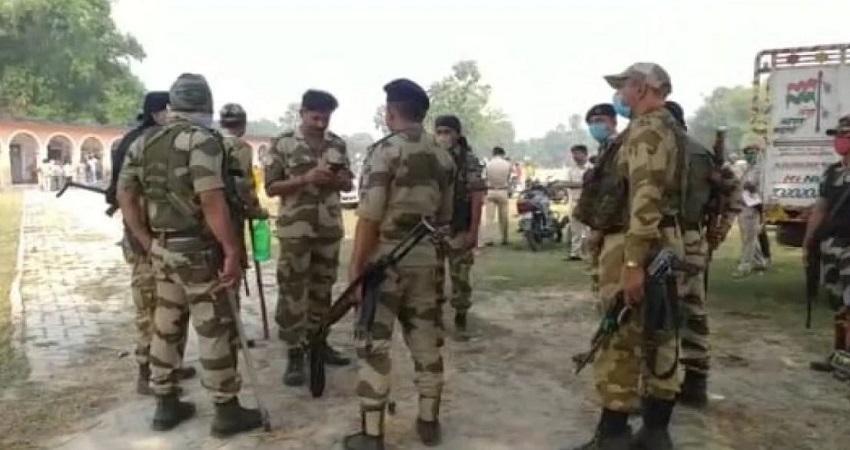 बिहार चुनाव के बीच पूर्णिया में वोटरों की सुरक्षाबलों से हुई झड़प, चली लाठियां, फायरिंग से फैली दहशत