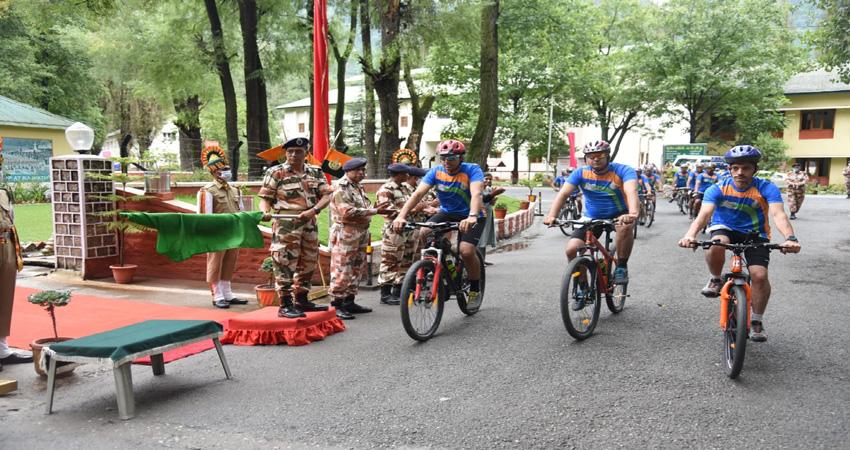 आजादी के अमृत महोत्सव पर कुल्लू से निकली आईटीबीपी की साइकिल रैली