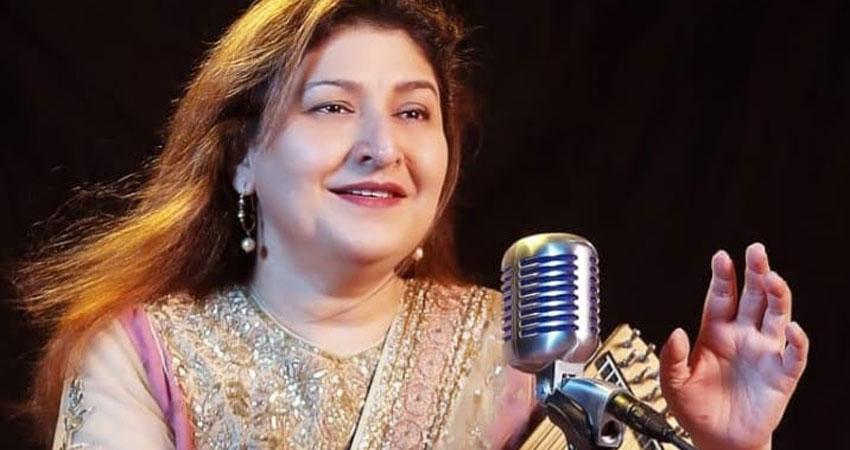 चंदना दीक्षित ने मूल 'कुली नंबर 1' के लिए 'हुस्न है सुहाना' गाना याद किया