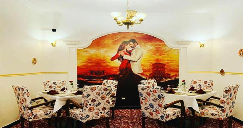हैदराबाद में दिखा प्रभास का जलवा, फैन ने ''राधेश्याम'' पोस्टर के साथ किया होटल का उद्घाटन