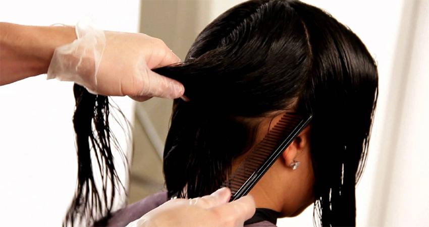 सुंदरता बढ़ाने के लिये कराए ट्रीटमेंट का हुआ उल्टा असर, झड़ गए महिला के बाल