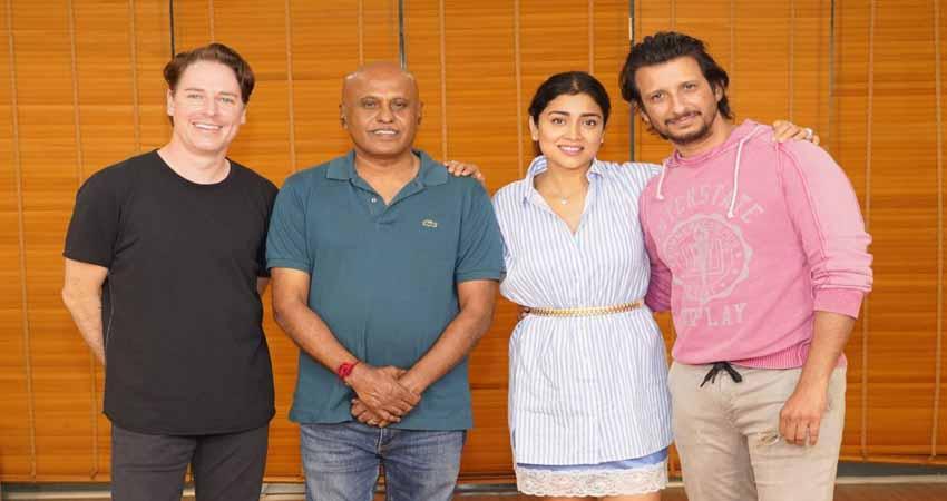 यामिनी फिल्म्स ने 'म्यूजिक स्कूल' की घोषणा की, शरमन जोशी और श्रिया सरन होंगे लीड
