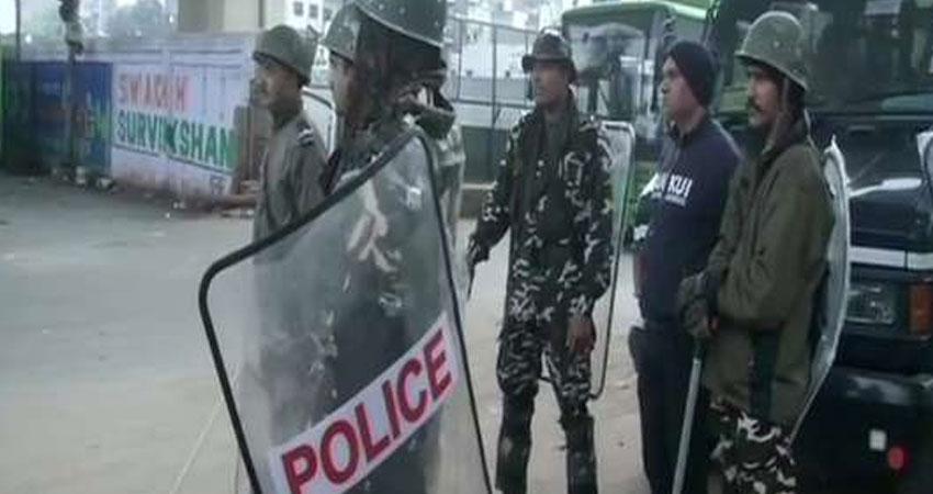 दिल्ली दंगों में आरोपी ताहिर हुसैन की जमानत याचिका पर पुलिस से जवाब तलब