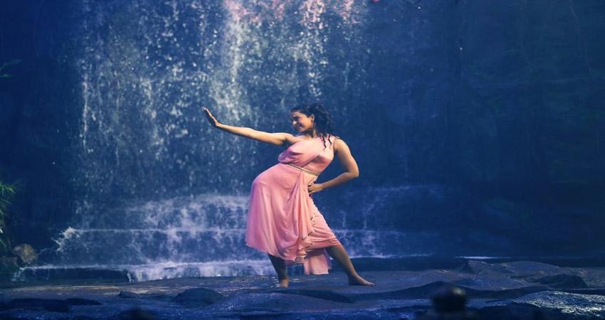 Thalaivi का पहला गाना Chali Chali हुआ रिलीज, कंगना ने पानी में लगाई आग
