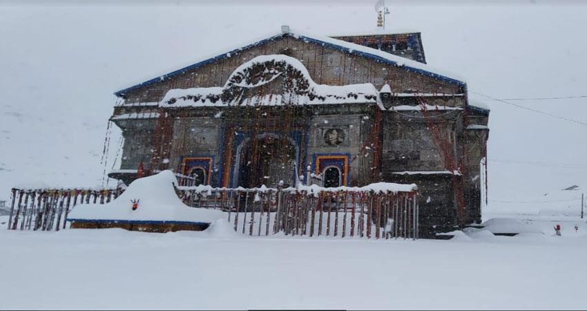 उत्तराखण्ड: बदरीनाथ और हेमकुंड में दोपहर बाद फिर बर्फबारी