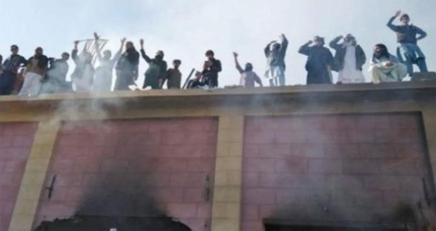 पाकिस्तानः मंदिर हमले में 45 और लोग हुए गिरफ्तार,एक्शन में महमूद खान सरकार