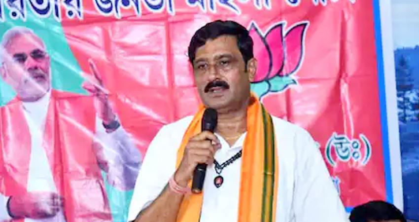 निर्वाचन आयोग का BJP नेता राहुल सिन्हा पर एक्शन, प्रचार करने पर 48 घंटे की लगाई रोक