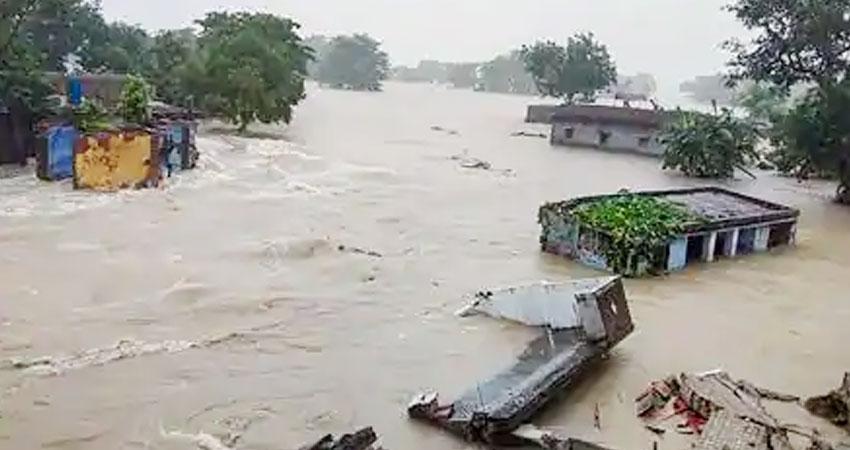 बाढ़ से निपटने में हमारी सरकारें अब तक 'सफल' क्यों नहीं हो सकीं