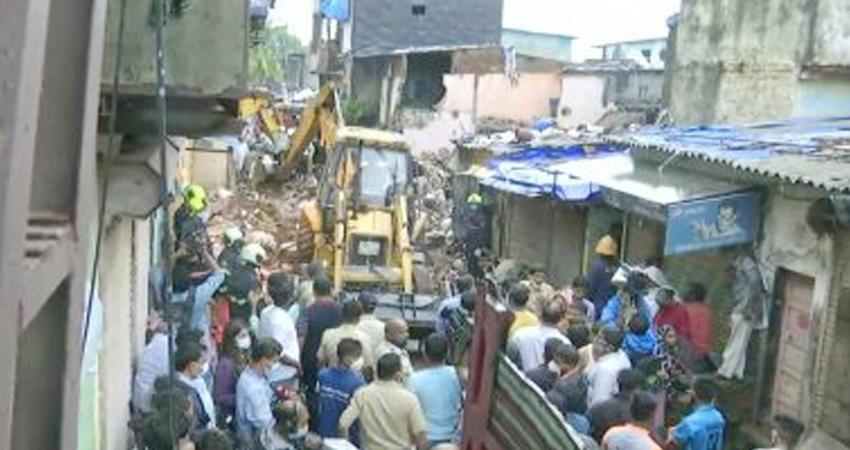 महाराष्ट्र: मुंबई में इमारत ढहने से अब तक 11 की मौत, मृतकों के परिजनों को सरकार देगी 5 लाख मुआवजा