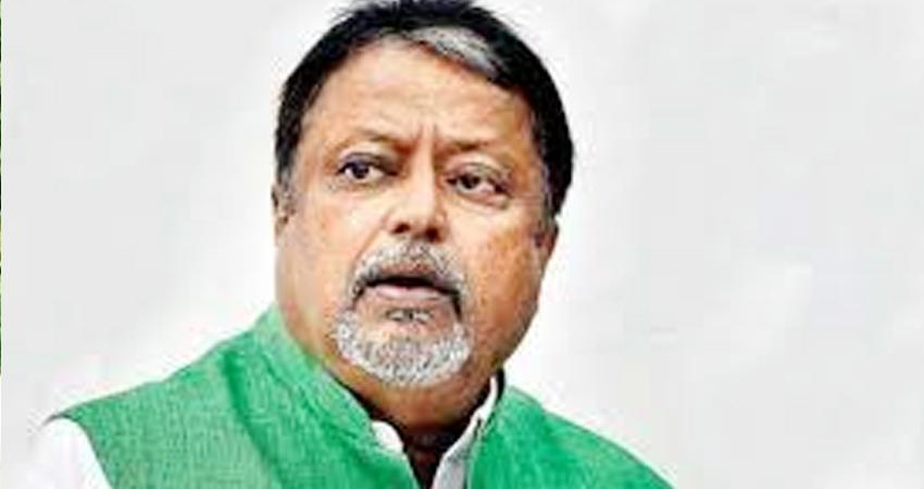 पश्चिम बंगाल में BJP को बड़ा झटका, ममता की मौजूदगी में मुकुल रॉय TMC में शामिल