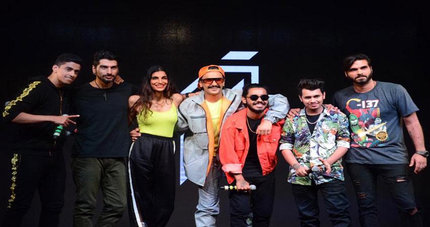 रणवीर सिंह का नया गाना हुआ रिलीज, दीपिका ने कहा ''मुझे तुम पर गर्व''