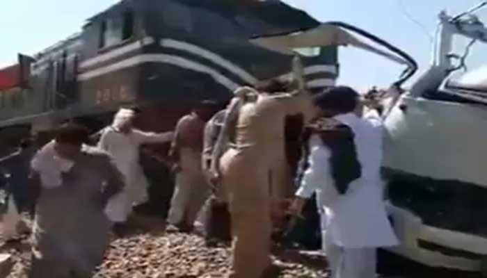 पाकिस्तान के पंजाब में हुआ भयानक ट्रेन हादसा, 29 सिख श्रद्धालुओं की मौके पर मौत