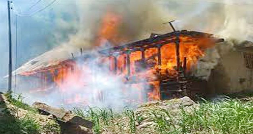 जम्मू-कश्मीर के बनिहाल में आग लगने से दो बच्चों की मौत, दो अन्य घायल