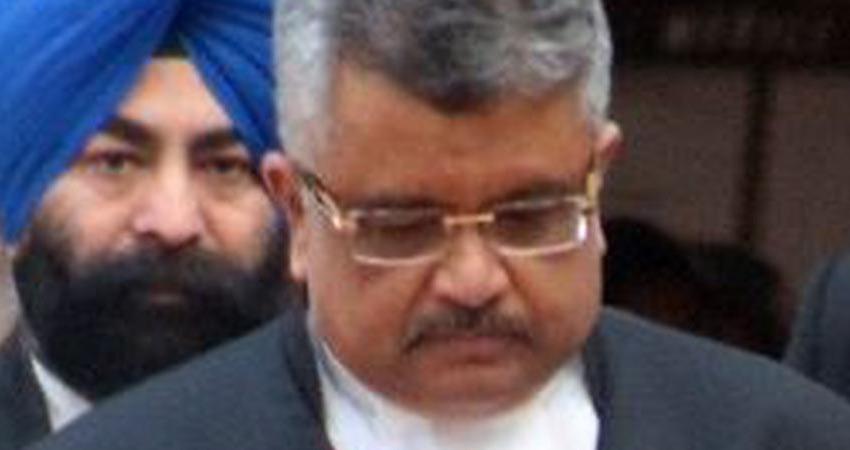 TMC सांसदों ने राष्ट्रपति से की मुलाकात, मेहता को सॉलिसिटर जनरल के पद से हटाने की मांग