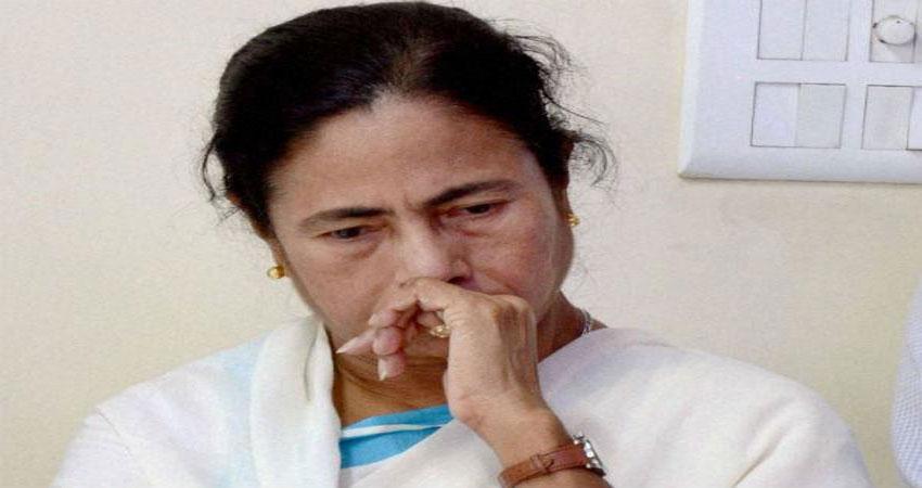 चुनाव आयोग दे सकता है ममता की पार्टी TMC को करारा झटका