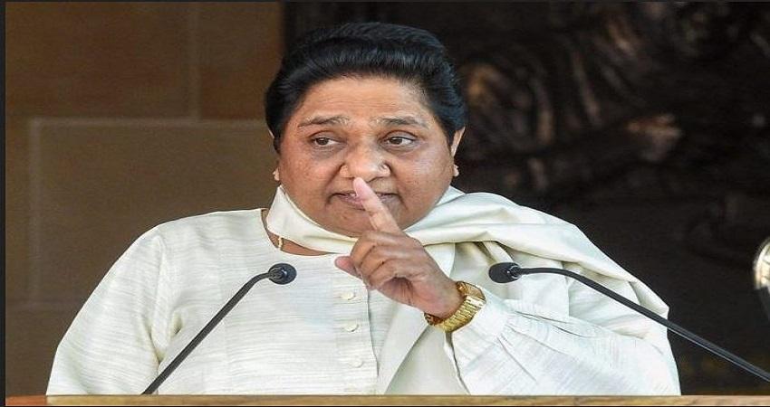 राहुल के मजदूरों संग बातचीत के वीडियो को मायावती ने बताया नाटक, कहा- सब कांग्रेस की देन