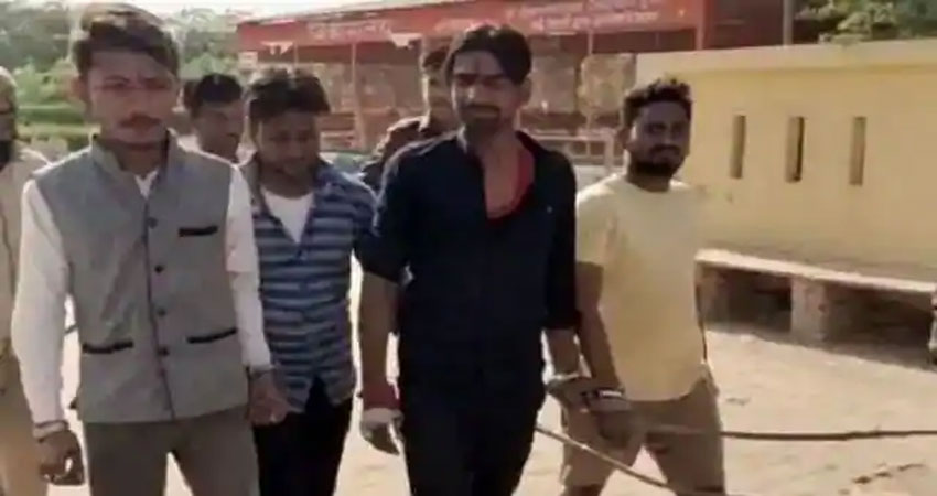 मथुराः अबईदगाह मस्जिद में पढ़ा हनुमान चालीसा, चार युवक गिरफ्तार