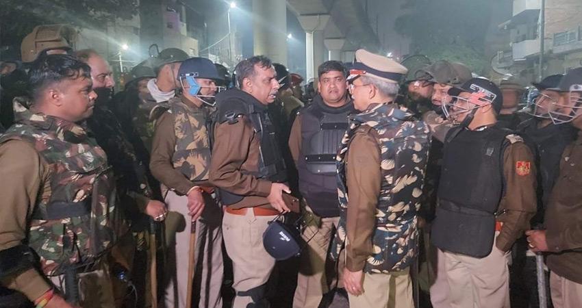 दिल्ली पुलिस ने की ट्रैक्टर परेड हिंसा से जुड़ी जानकारी शेयर करने की अपील