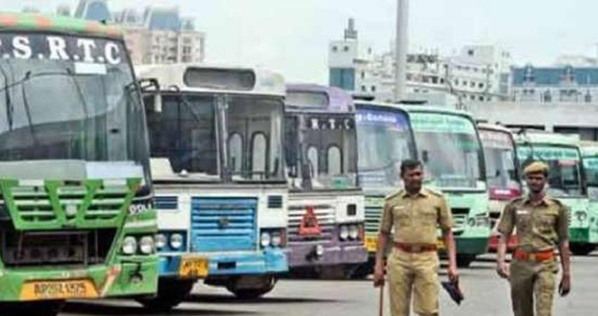 पंजाब रोडवेज और PRTC के ठेका कर्मियों ने शुरू की अनिश्चितकालीन हड़ताल