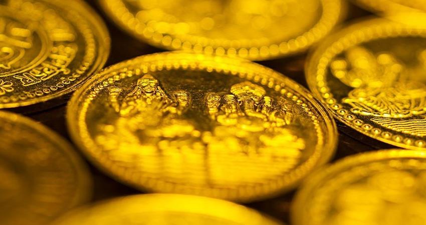 दिवाली से पहले धनतेरस पर गुलजार मार्केट, सिक्कों और आभूषणों की सेल बढ़ी