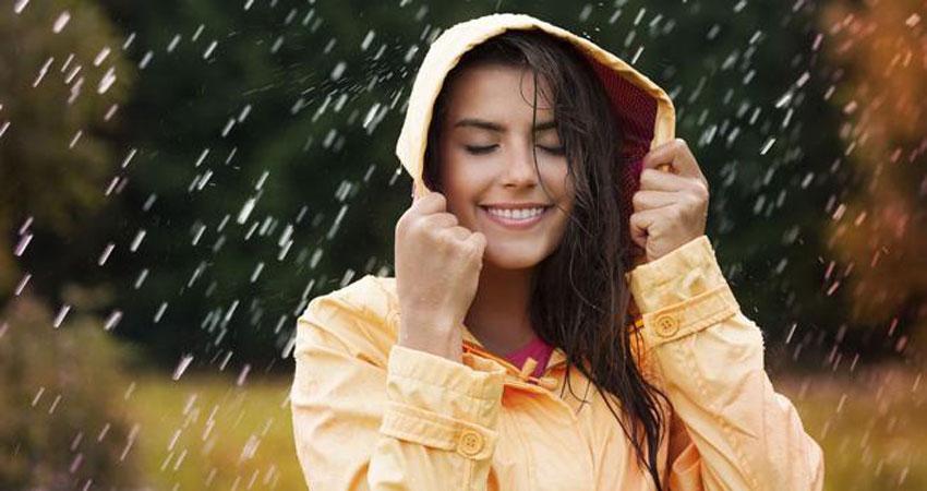 बारिश के मौसम में Skin Care को लेकर बरतें ये सावधानियां