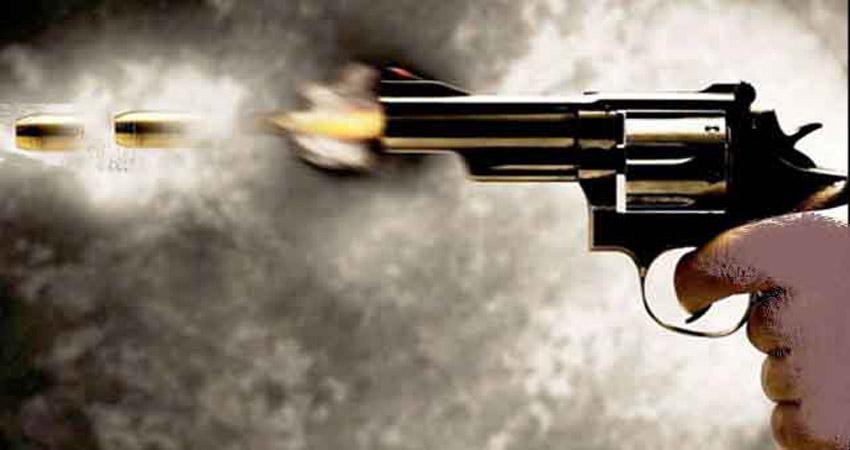 पाकिस्तान में दो हिंदू व्यापारियों की गोली मारकर हत्या, धरने पर बैठे लोग