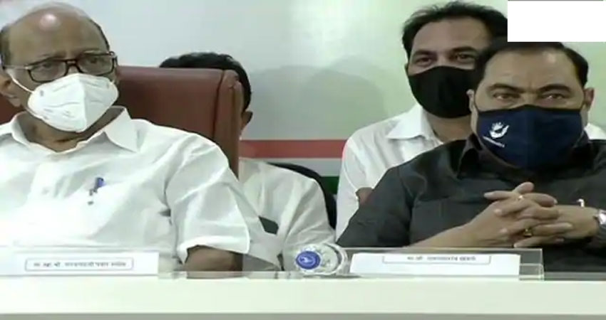 शरद पवार की मौजूदगी में एकनाथ ने एनसीपी की सदस्यता ग्रहण की, देवेंद्र पर बरसे