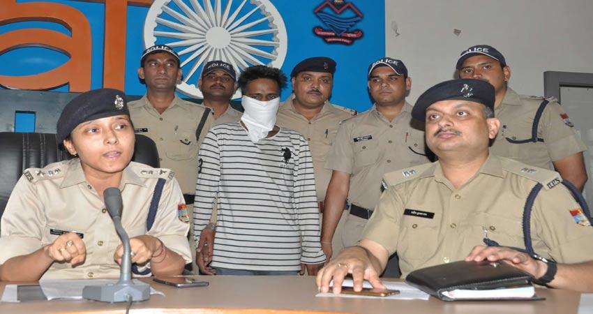 पंजाब का शातिर चेन स्नैचर देहरादून में गिरफ्तार, चेन और बाइक बरामद