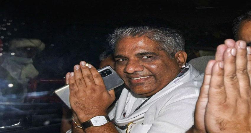 बीजेपी नेता भूपेंद्र यादव ने बिहार में जीत का श्रेय मोदी को दिया तो चिराग को जमकर कोसा