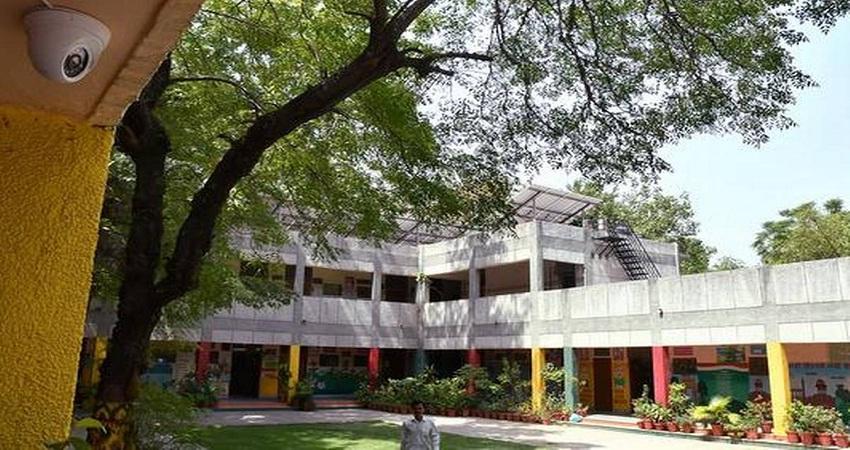 Lockdown: SDMC ने जरूरतमंदो के लिये अपने 91 स्कूलों में की रहने व खाने की व्यवस्था