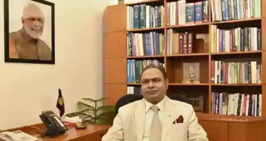 DU के कुलपति पर गिरी गाज,राष्ट्रपति ने किया निलंबित