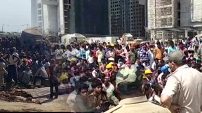 गुजरात: सूरत में लॉकडाउन के दौरान कराया काम, मजदूरों ने किया हंगामा