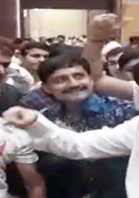 PM मोदी के बर्थडे पर 'खलनायक' गाने पर थिरके...