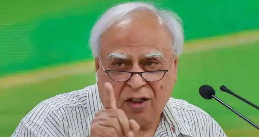 राहुल के बयान पर मचा बवाल, विपक्ष से लेकर कांग्रेस नेता कपिल सिब्बल तक दे डाली नसीहत
