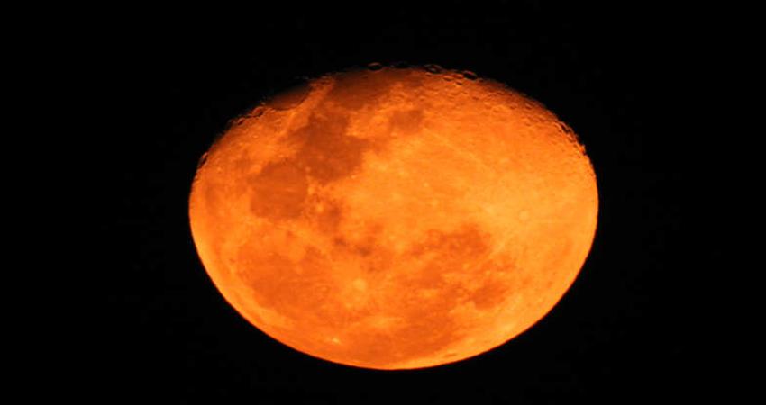 Chandra Grahan 2019: 149 सालों बाद लग रहा है दुर्लभ चंद्रग्रहण, जानें क्या होगा प्रभाव