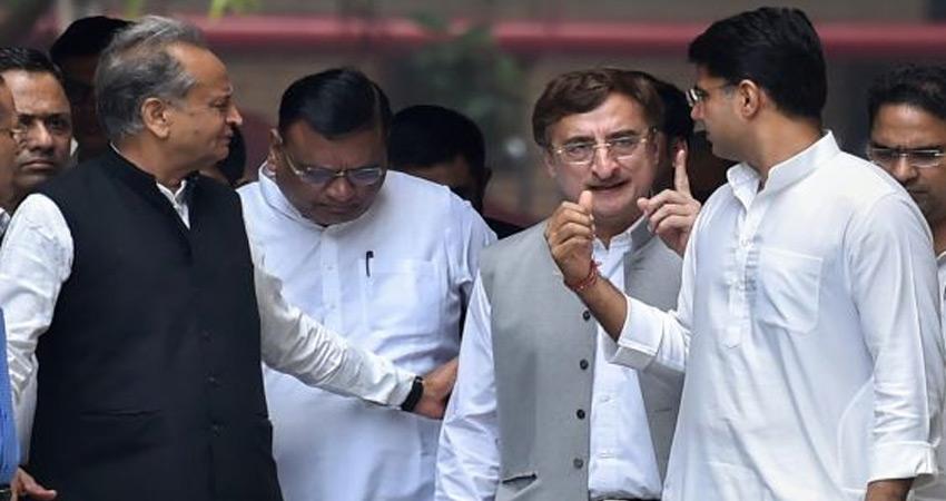 राजस्थान में फर्जी वोटरों के मुद्दे पर कांग्रेस ने किया EC का रुख