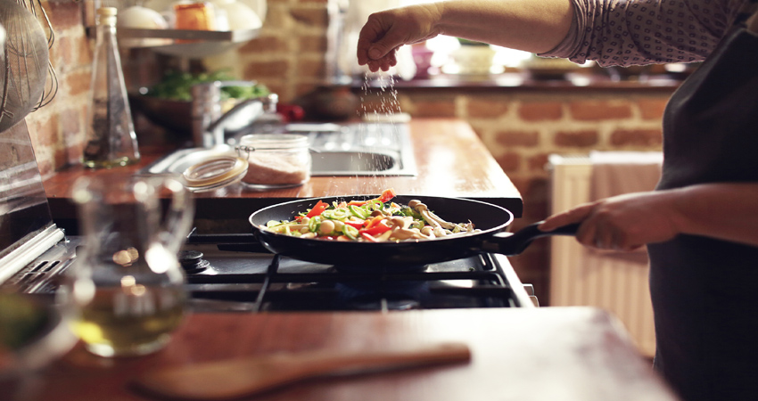 खाना बनाते वक्त कभी नहीं होगी गलती, अगर इन टिप्स को करेंगे फॉलो