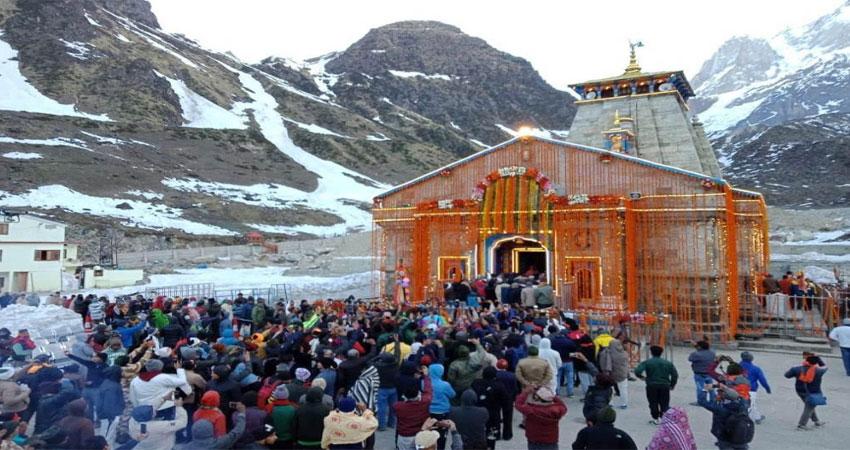 मंत्रोच्चार और जय जयकार के बीच खुले केदारनाथ मंदिर के कपाट