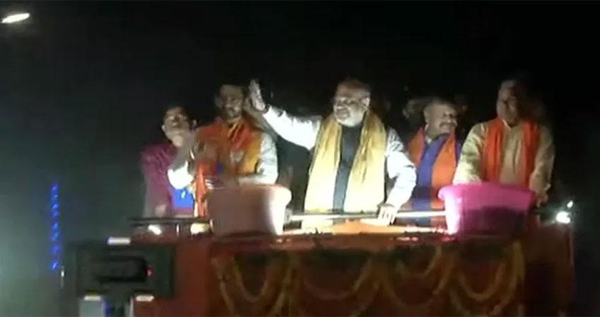 बंगाल में अमित शाह ने किया रोड शो, ममता पर साधा निशाना, कहा- TMC का जाना तय