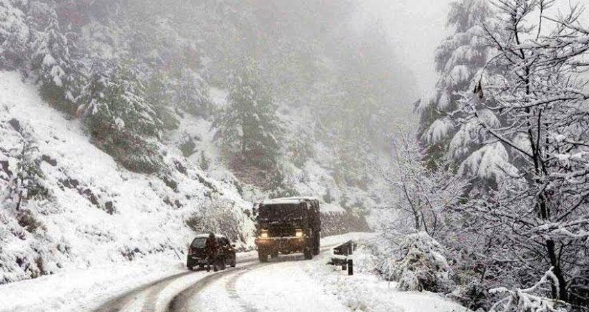 उत्तराखंड में भारी बर्फबारी का कहर जारी,  गंगोत्री-यमुनोत्री मार्ग पूरी तरह बंद