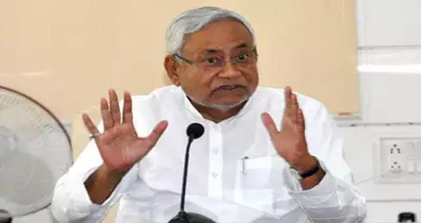 बिहारः नीतीश ने क्यों कहा-सोशल मीडिया पर रखी जाए प्रभावी नजर